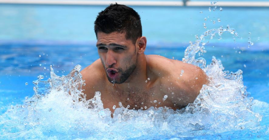 Amir Khan Swimming