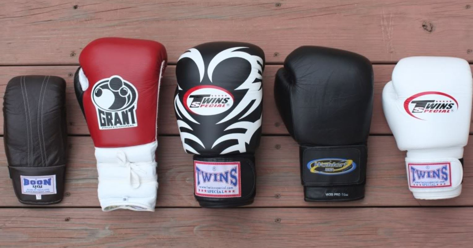 2 Pairs Boxing Gloves /& 2 Sets of Head Gears Brand 16oz to 20oz Pick Your Size
