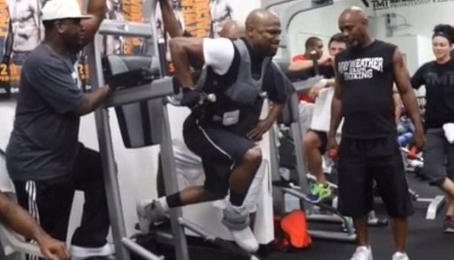 Mayweather Weighted Dips